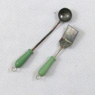 DR Est green utensils-min